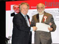 """Sinan Vardar'a """"Spor Kulüp Yöneticiliği"""" Ödülü"""