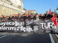 Turizmciler teröre karşı yürüdü
