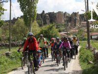 Frig Vadisi'nin Bin Yıllık Mirasına Bisikletle Yolculuk
