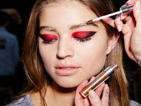 Makyaj trendlerini Erin Parsons belirlemeye devam ediyor!