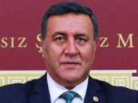 CHP Niğde Milletvekili Ömer Fethi Gürer, 11 yıldır hac kurası bekleyen vatandaşların sorununu Meclise taşıdı