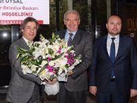 İstanbul Büyükşehir Belediye (İBB) Başkanı Mevlüt Uysal Beyoğlu Belediyesi'ni ziyaret etti