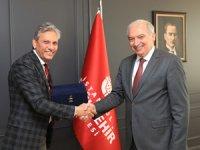 Değişim Hareketi Lideri Firuz Bağlıkaya,İBB Başkanı Mevlüt Uysal'ı makamında ziyaret etti