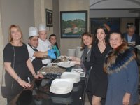 Skal İstanbul üyeleri Konak Oteli'nin düzenlediği geleneksel Hamsili Pilav Partisi'nde buluştu