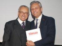 Türkiye'nin Avrupa ve dünyada rekabete en hazır sektörü turizmdir