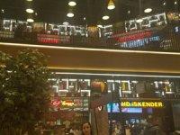Meydan İstanbul AVM içinde yer alan Mahalle'nin 1 'nci restoran katında mühendislik hatası