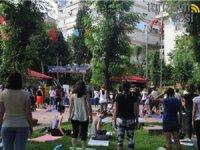 YOGA tutkunları, 21 Haziran Uluslararası Yoga Günü'nü Nişantaşı Sanat Parkı'nda kutladı