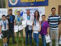 """""""Sağlık İçin Birlikte Koşuyoruz"""" projesi kapsamında koşan sporculara madalyaları verildi"""