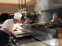 """""""Elite World Chefs"""" atölyeleri, Türk mutfağının vazgeçilmez lezzeti kebap yapımı ile lezzet tutkunlarını bir araya getiriyor"""