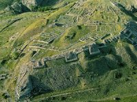 Hattuşa'da Büyük Kale'yi Saran Binlerce Yıllık Surlar Günışığına Kavuşuyor