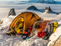 Dünyanın en iyi dağcıları Antarktika'da test etti