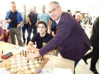 Bu yıl Enez'de 3. sü düzenlenen Enez Kaymakamlığı Uluslararası Açık Satranç Turnuvası başladı