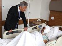 TÜRSAB Başkanı Firuz Bağlıkaya Afyonkarahisar'daki Kazadan Yaralı Kurtulan Malezyalı Turisti Ziyaret Etti