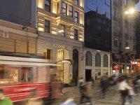 Richmond İstanbul, konuklarına Beyoğlu'nun tarihi dokusunu Boğazı kanatları altına aldığı manzarası ile birlikte sunuyor