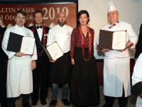 """Mutfak Dostları Derneği, """"Altın Kaşık Gastronomi Ödülleri""""ni, 10 kategoride sahipleri ile buluşturdu"""