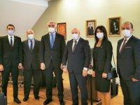 TUROYD Yönetimi Bakan Ersoy ile özel toplantıda bir araya geldi