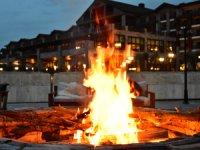 Elite World Sapanca'nın bahçesinde kamp ateşi keyfi
