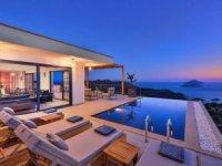 Yazlık villaların sezonluk kirası 2 milyona çıktı!
