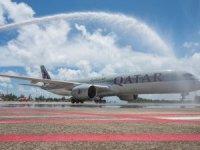 Qatar Airways'in İlk Phuket Seferi Geleneksel Su Takı ile Karşılandı