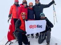 Arçelik Ekibi Türkiye'nin en yüksek dağı olan Ağrı'ya tırmandı
