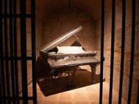 'Zamansızlık Şarkısı' Duvarlarda Yankılanacak