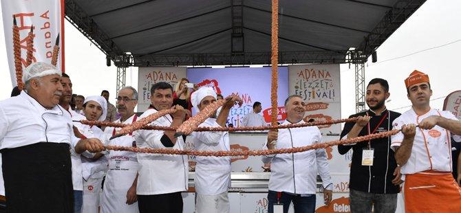 2.-adana-lezzet-festivali,-adana-buyuksehir-belediyesi-,adana-valiligi,alexandre-dionisio,firuz-baglikaya,osman-ayik-003.jpg