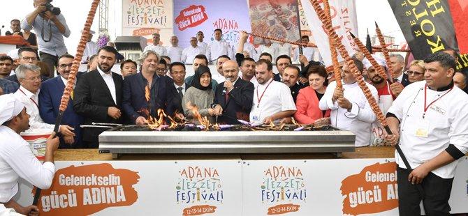 2.-adana-lezzet-festivali,-adana-buyuksehir-belediyesi-,adana-valiligi,alexandre-dionisio,firuz-baglikaya,osman-ayik-004.jpg