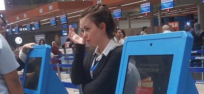 anadolujet,-ozge-yilmaz,-kiosk-check-in-islemi-001.png