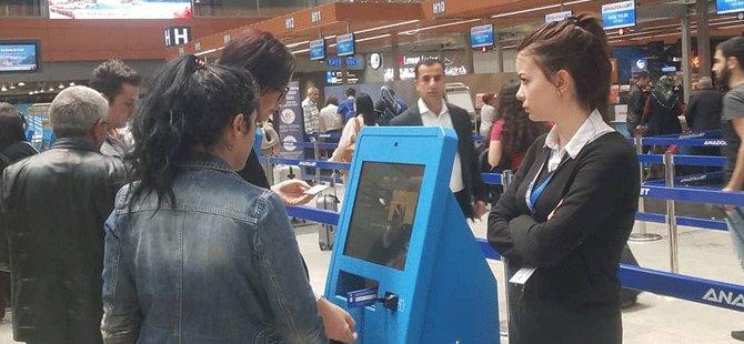 anadolujet,-ozge-yilmaz,-kiosk-check-in-islemi.png
