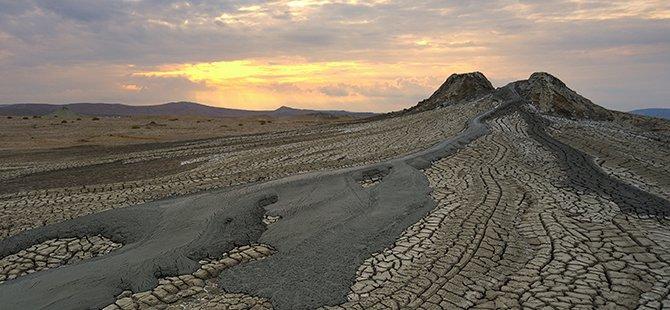 azerbaycan-volkan-camurlari-001.jpg