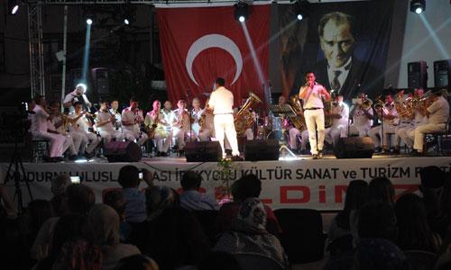 edirne-belediye-bandosu,mudurnu-16.-uluslararasi-ipekyolu-kultur-sanat-turizm-festivali,edirne-belediyesi-bando-takimi.jpg
