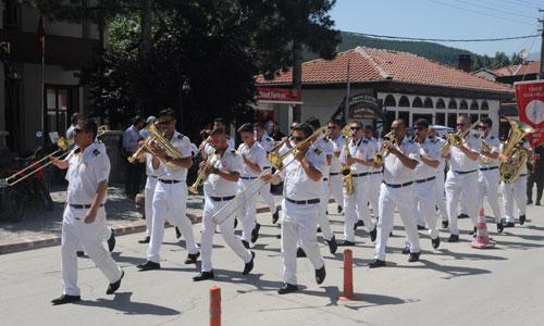 edirne-belediye-bandosu,mudurnu-16.-uluslararasi-ipekyolu-kultur-sanat-turizm-festivali.jpg