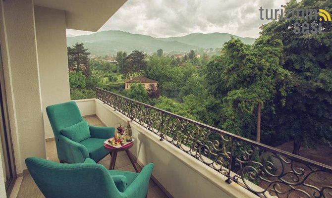 el-garden-hotelismail-cosar-sezgin-kizilkus-masukiye-kartepe-sakarya-kartepede-kayak-cosar-turizm-seyahat-acentasi-el-garden-hotelde-tatillimousine-plus-003.jpg