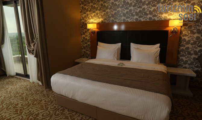 el-garden-hotelismail-cosar-sezgin-kizilkus-masukiye-kartepe-sakarya-kartepede-kayak-cosar-turizm-seyahat-acentasi-el-garden-hotelde-tatillimousine-plus-006.jpg