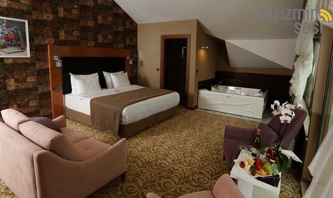 el-garden-hotelismail-cosar-sezgin-kizilkus-masukiye-kartepe-sakarya-kartepede-kayak-cosar-turizm-seyahat-acentasi-el-garden-hotelde-tatillimousine-plus-007.jpg