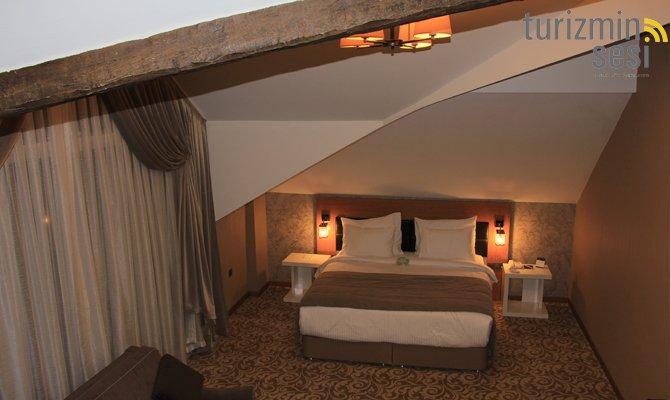 el-garden-hotelismail-cosar-sezgin-kizilkus-masukiye-kartepe-sakarya-kartepede-kayak-cosar-turizm-seyahat-acentasi-el-garden-hotelde-tatillimousine-plus-008.jpg