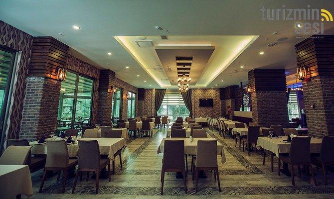 el-garden-hotelismail-cosar-sezgin-kizilkus-masukiye-kartepe-sakarya-kartepede-kayak-cosar-turizm-seyahat-acentasi-el-garden-hotelde-tatillimousine-plus-010.jpg