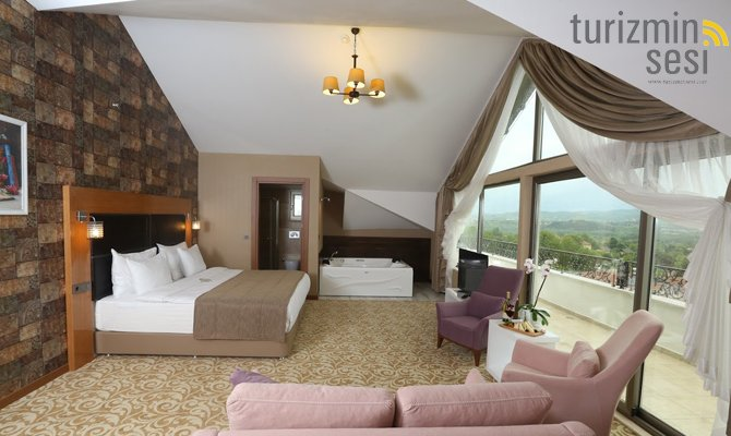 el-garden-hotelismail-cosar-sezgin-kizilkus-masukiye-kartepe-sakarya-kartepede-kayak-cosar-turizm-seyahat-acentasi-el-garden-hotelde-tatillimousine-plus-012.jpg