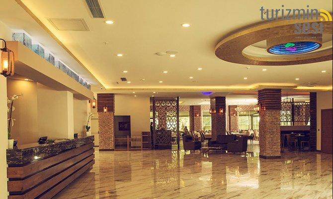 el-garden-hotelismail-cosar-sezgin-kizilkus-masukiye-kartepe-sakarya-kartepede-kayak-cosar-turizm-seyahat-acentasi-el-garden-hotelde-tatillimousine-plus-013.jpg