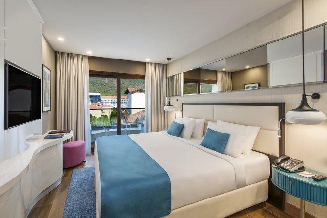 elite-world-hotels-003.jpg