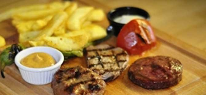 executive-chef-berk-gunduz,-cennetkoy-beach-restoran,-karacaoglu,datca,kargi-koyu-002.jpg