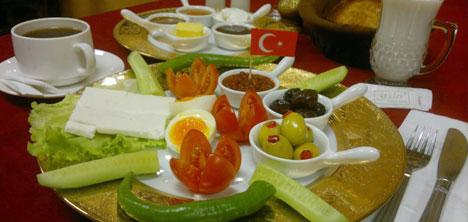 guler-osmali-mutfagi,tarihi-kahvalti,osmanli-kahvalti-sofrasi,ali-guler7.jpg