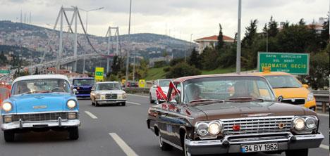istanbul-klasik-otomobilciler-dernegi,ikod-uyeleri,-her-yerde-cumhuriyet,-her-yerde-baris,2.jpg
