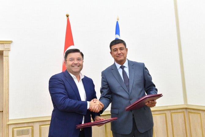 maltepe-belediye-baskani-ali-kilic-ozbekistan-karshi-belediye-baskani-normumin-kholboev.jpg