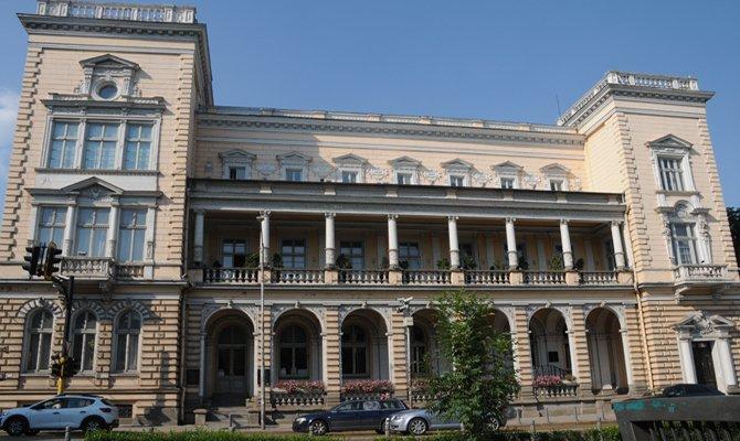 merkezi-ordu-evi-ataturkun-dimitri-aski.jpg