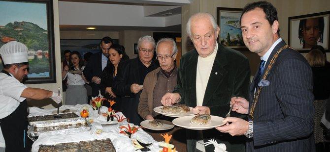 skal-istanbul-konak-hotel-12-hamsili-pilav-gecesi-005.jpg