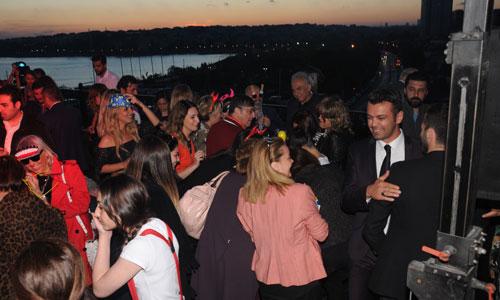 wyndham-grand-istanbul-kalamis-marina-hotel,-yaza-merhaba-partisi,-deniz-dikkaya-,-mustafa-alparslan,-burak-ince-001.jpg